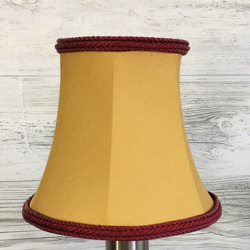 Bowed Empire Candle Gold & Ruby